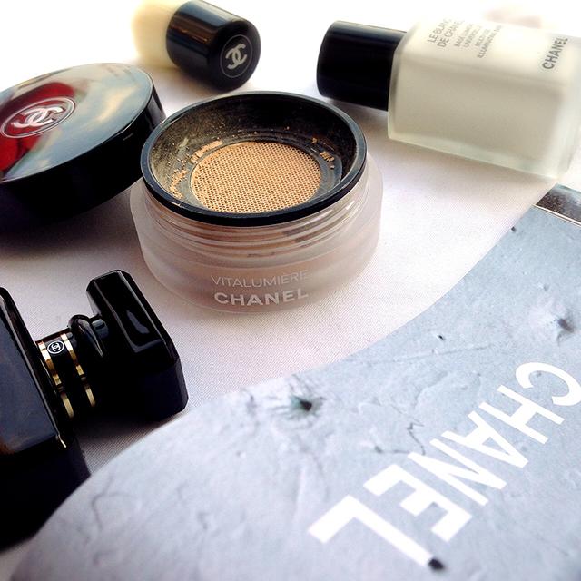 Chanel Vitalumiere Loose Powder Foundation and Le Blanc de Chanel Illuminating Base