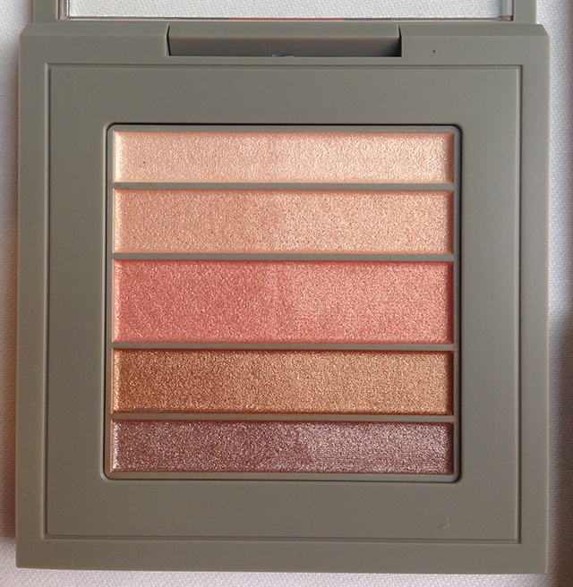 MAC x Brooke Shields Veluxe Pearlfusion Eyeshadow Palette Mortal to Shop