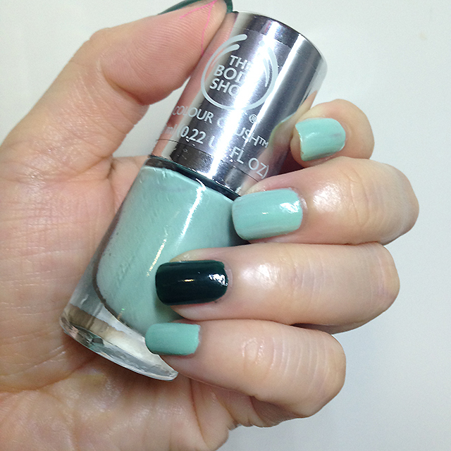 The Body Shop Colour Crush Nail Polish - Mint Cream swatch