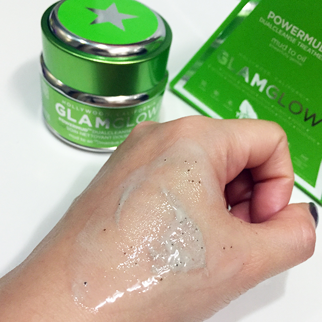 Glamglow Powermud oily swatch
