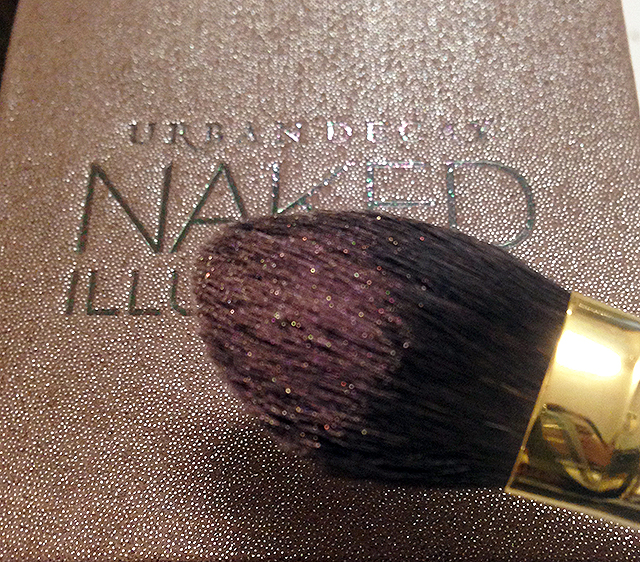 Urban Decay Naked Illuminated Aura Shimmering Powder for Face & Body shimmer