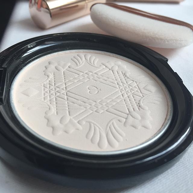 Cle de Peau Beaute Celeste Compact Powder