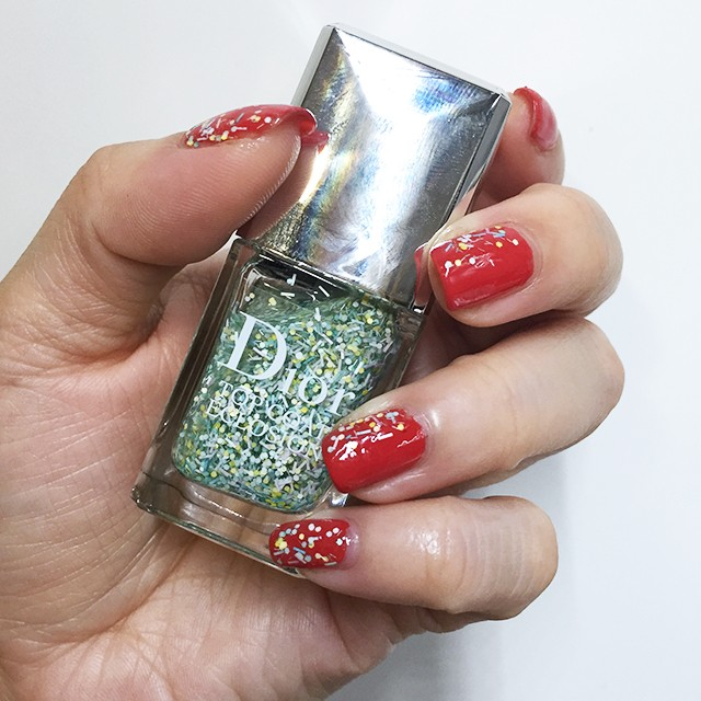 Dior Eclosion Blossoming Top Coat swatch
