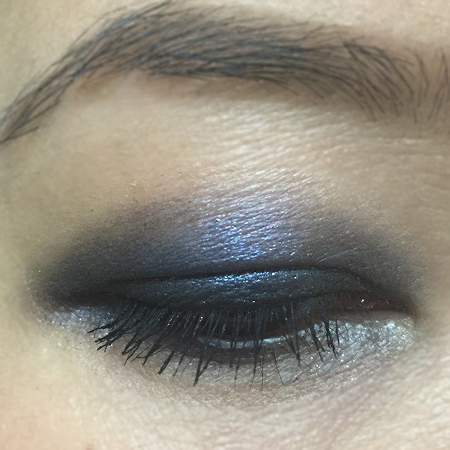 Tom Ford Eye Color Duo in Crushed Indigo EOTD when applied dry over blackened base
