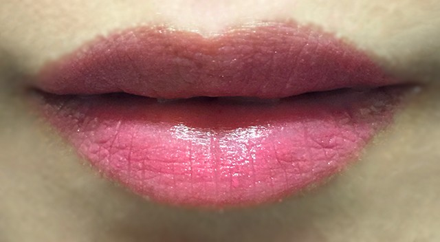Shiseido Veiled Rouge RD302 Rosalie lip swatch