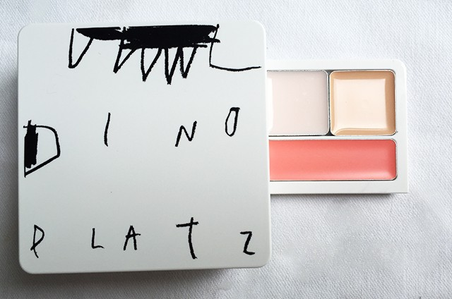 Too Cool For School Dinoplatz UFO Multibox palette