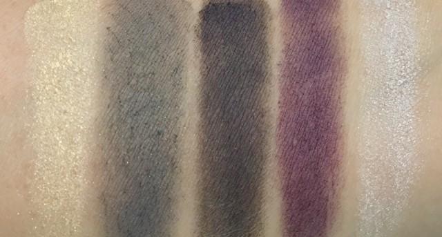 L'intemporel de Chanel Eyeshadow Palette swatches