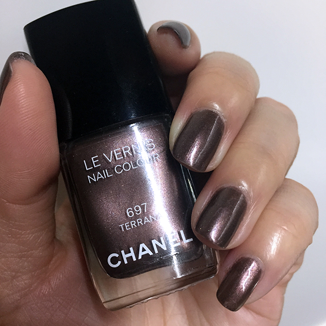 Chanel Le Vernis Terrana nail swatch