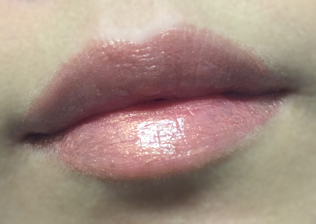 Tom Ford Skinny Dip Lip Color Sheer lip swatch