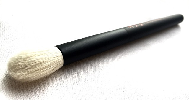Chikuhodo Takumi T6 large eyeshadow brush