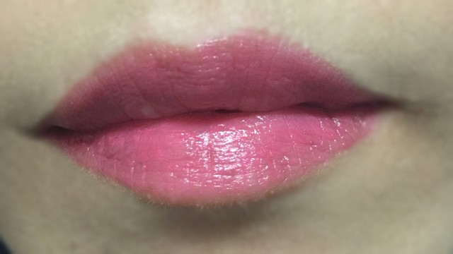 Shu Uemura Rouge Unlimited City Neon lip swatch