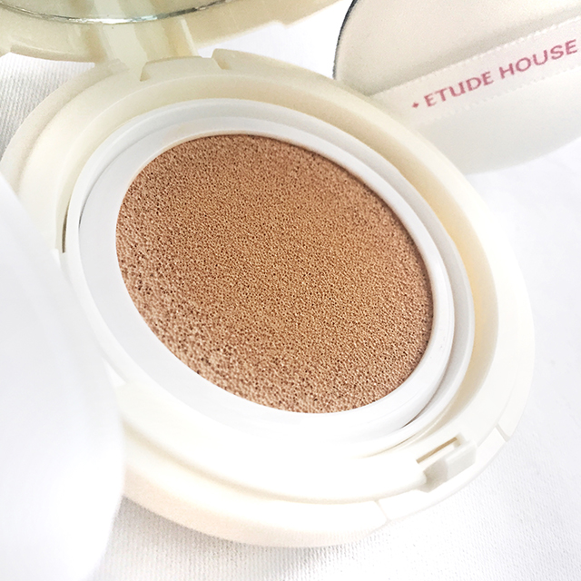 Etude House Precious Mineral Moist Any Cushion interior
