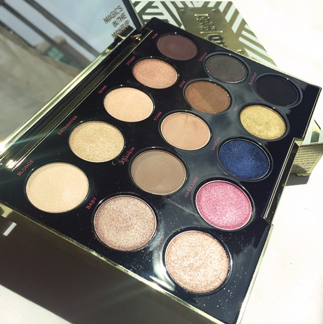 There is a good mix of matte, satin and shimmer shades in this palette.