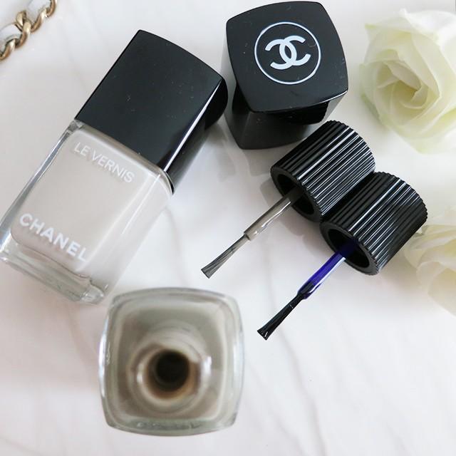 Chanel Le Vernis Longwear brush comparison