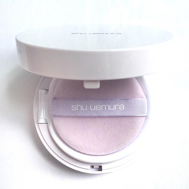 shu uemura blanc:chroma Brightening UV cushion foundation interior