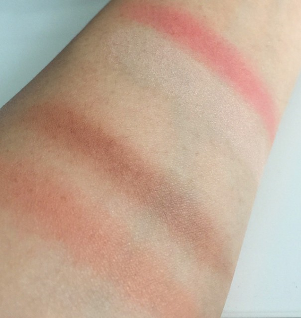 Chanel Les Beiges Healthy Glow Duo swatches