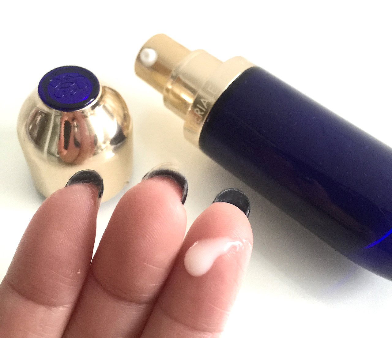 Guerlain Orchidee Imperiale The Eye Serum swatch