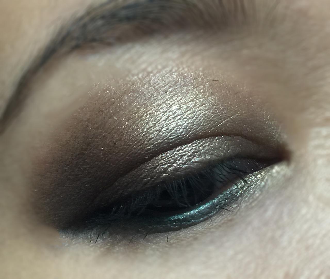 victoria-beckham-x-estee-lauder-eye-palette-eotd-1
