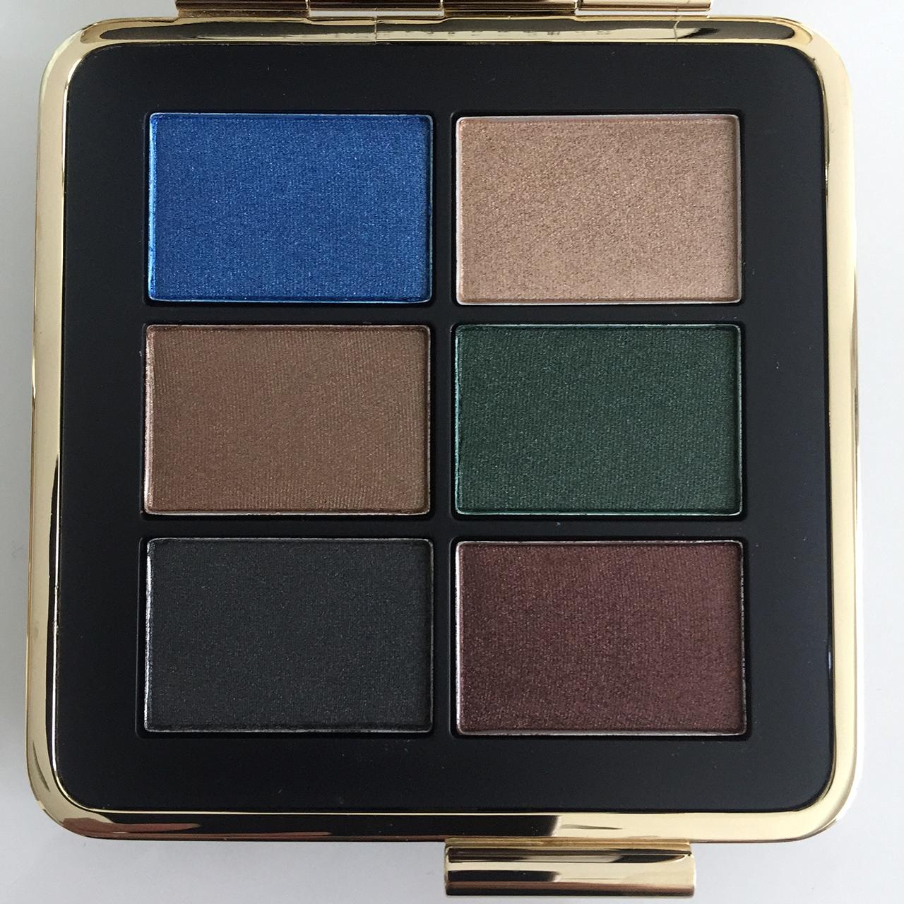 victoria-beckham-x-estee-lauder-eye-palette-closeup