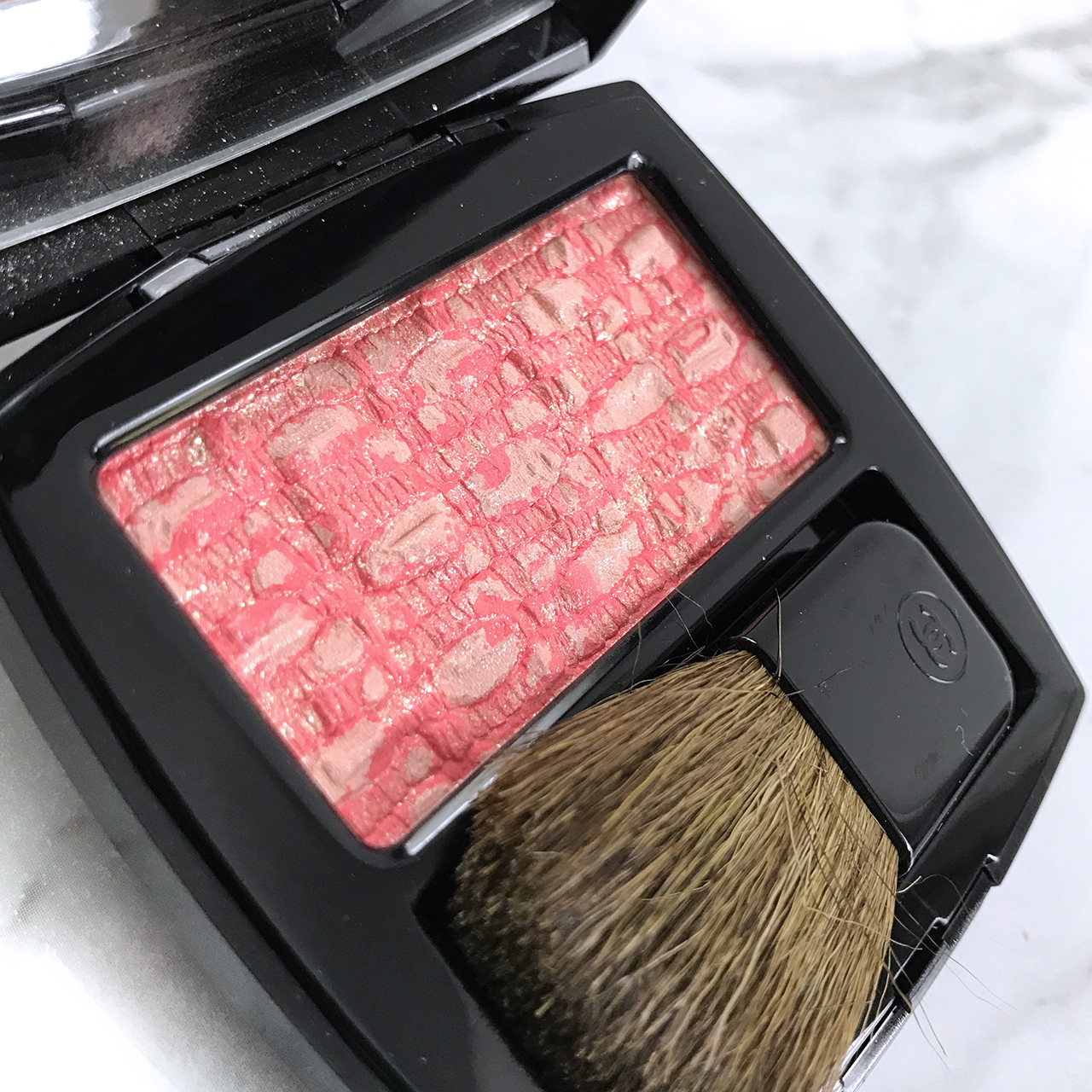Les Tissages de Chanel Tweed Coralline