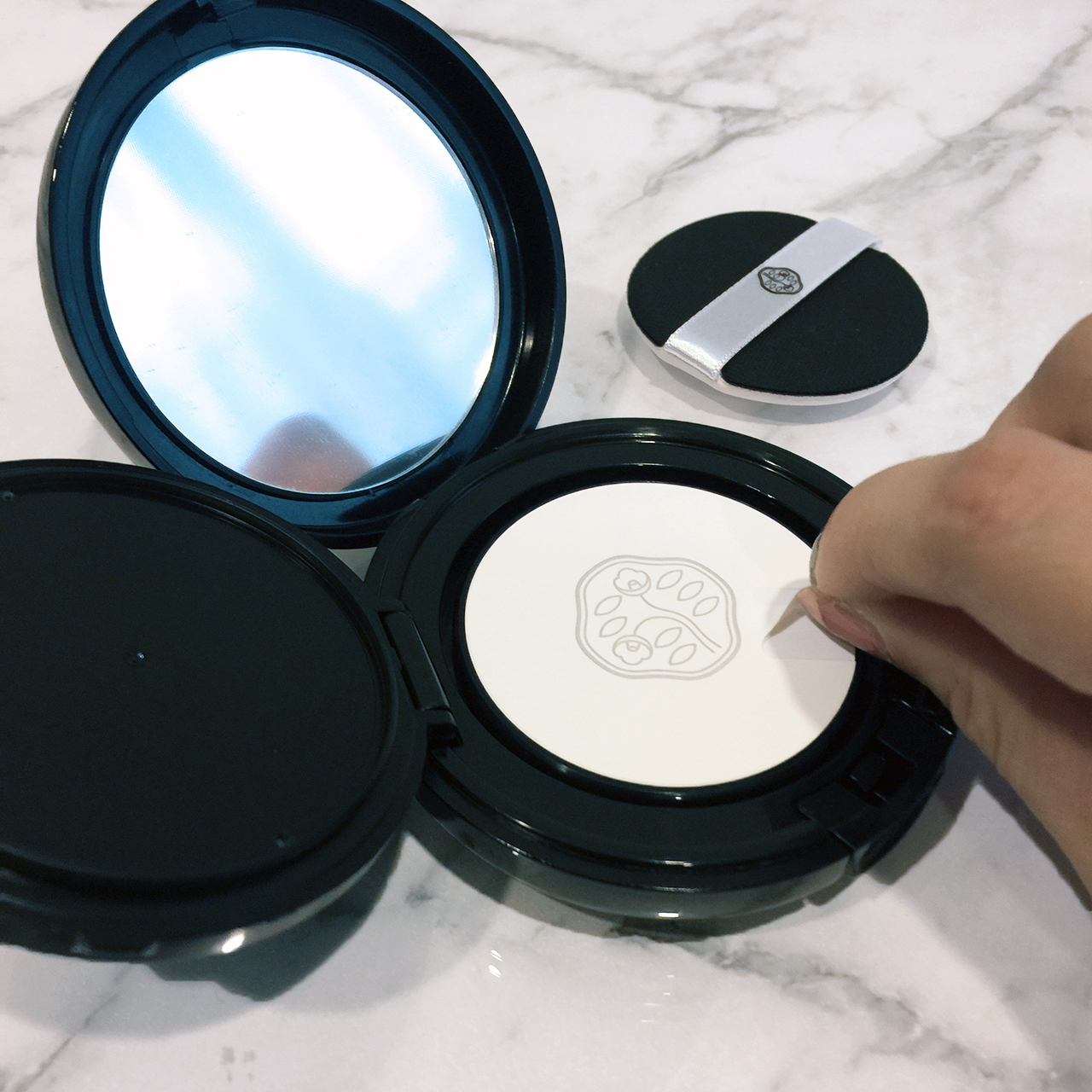 Shiseido Synchro Skin Cushion interior