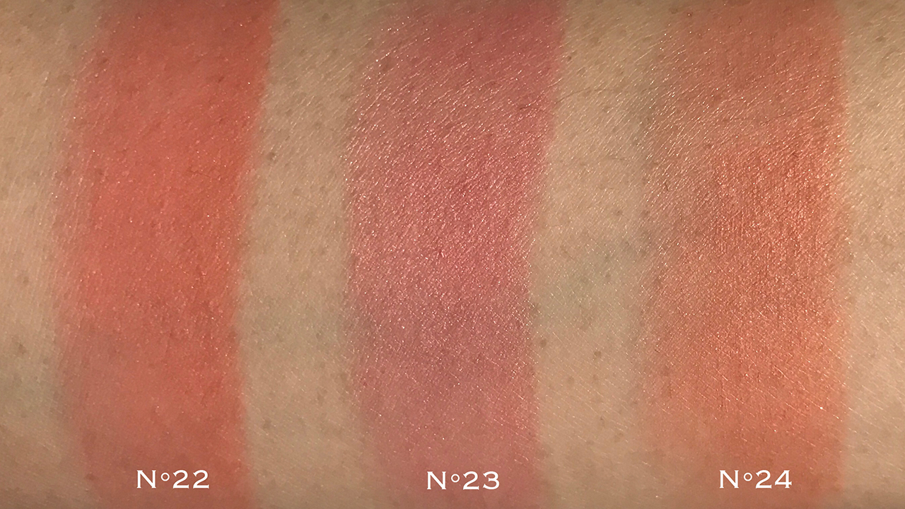 Chanel Les Beiges Healthy Glow Sheer Colour Stick swatches