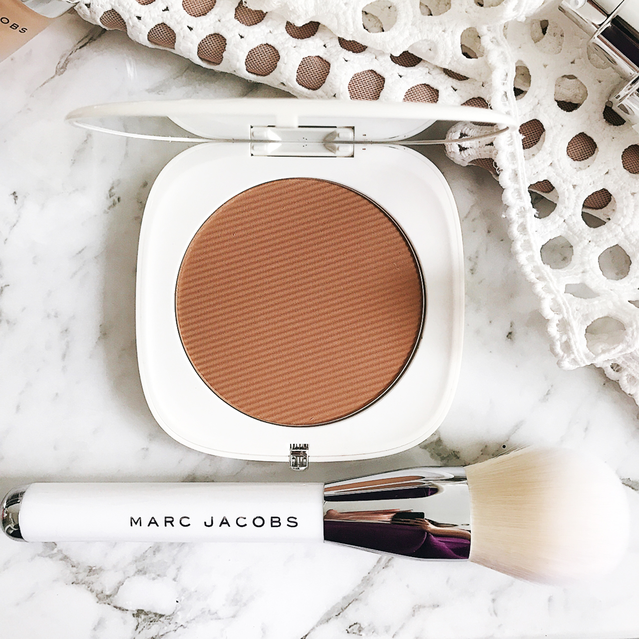 Marc Jacobs O!mega Bronze Perfect Tan & The Bronze Bronzer Brush