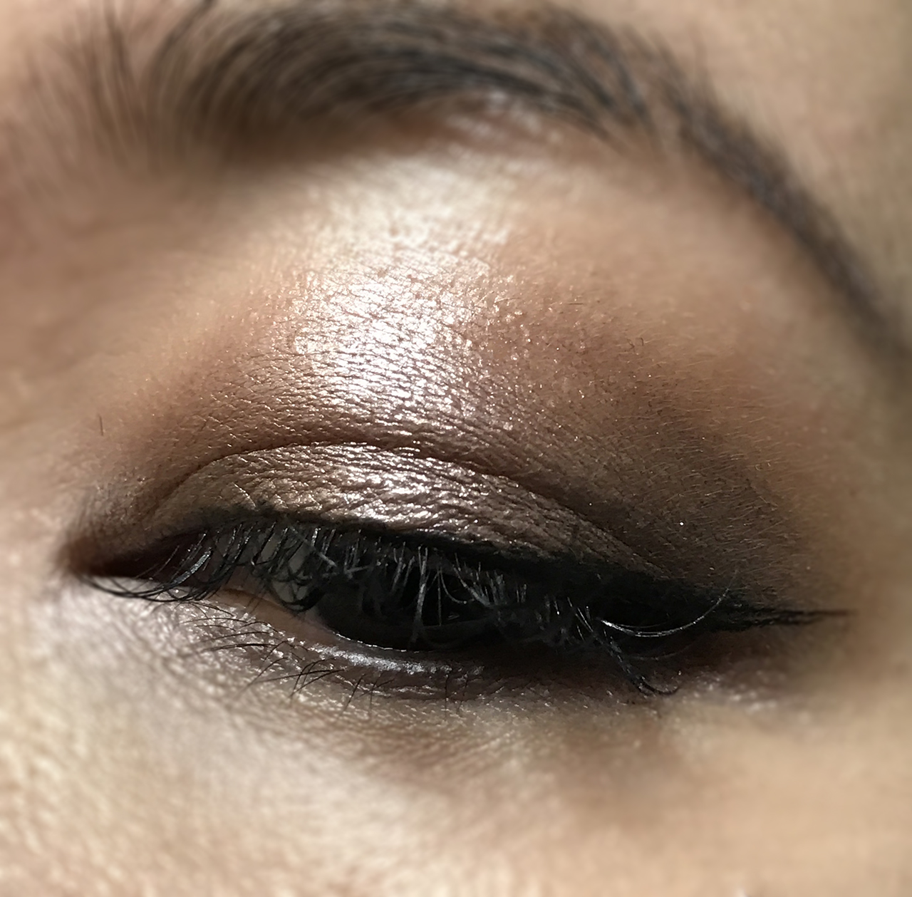 Chanel Les 4 Ombres City Lights eye makeup look