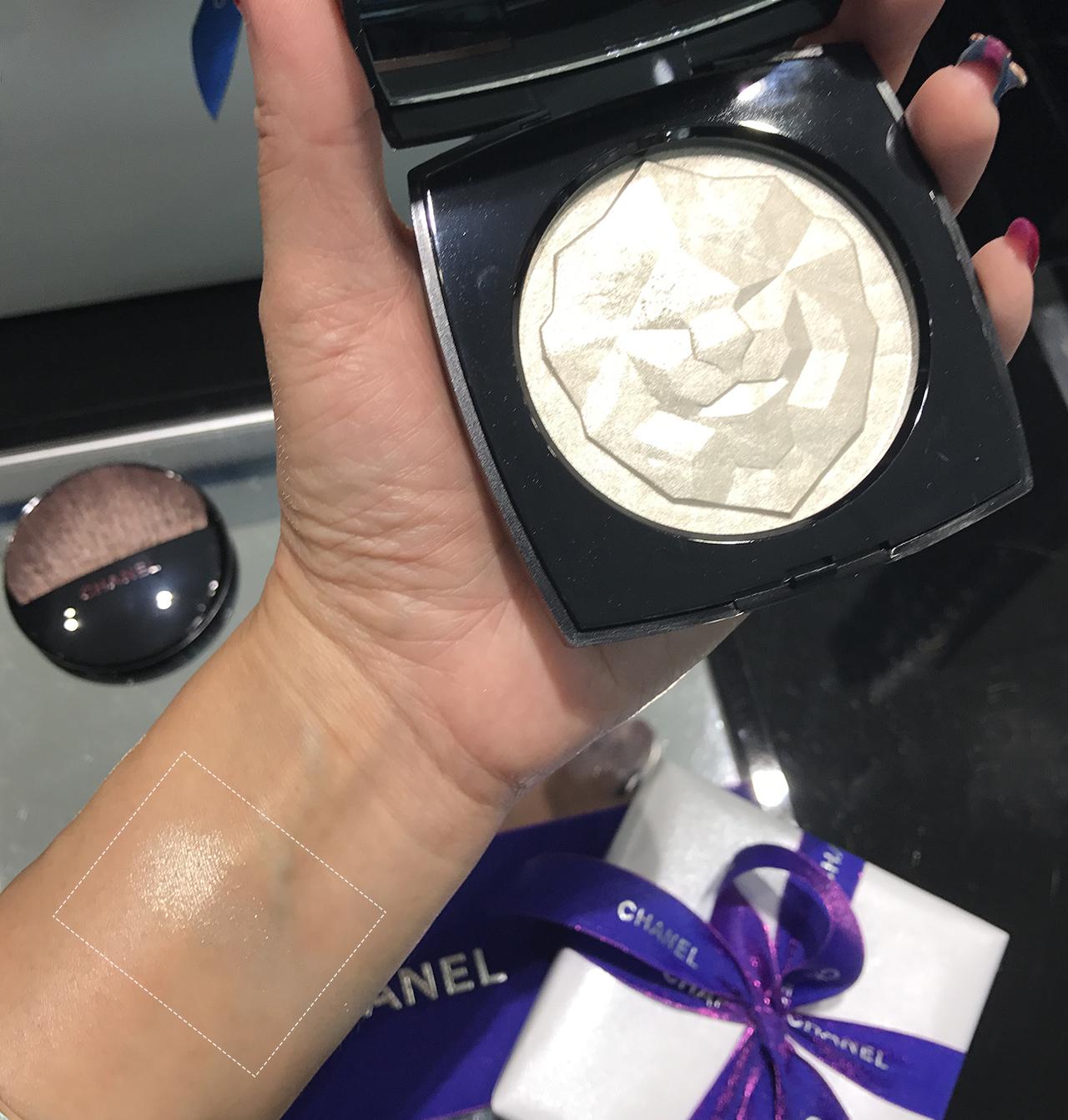 Chanel Le Signe du Lion Or Blanc Illuminating Powder