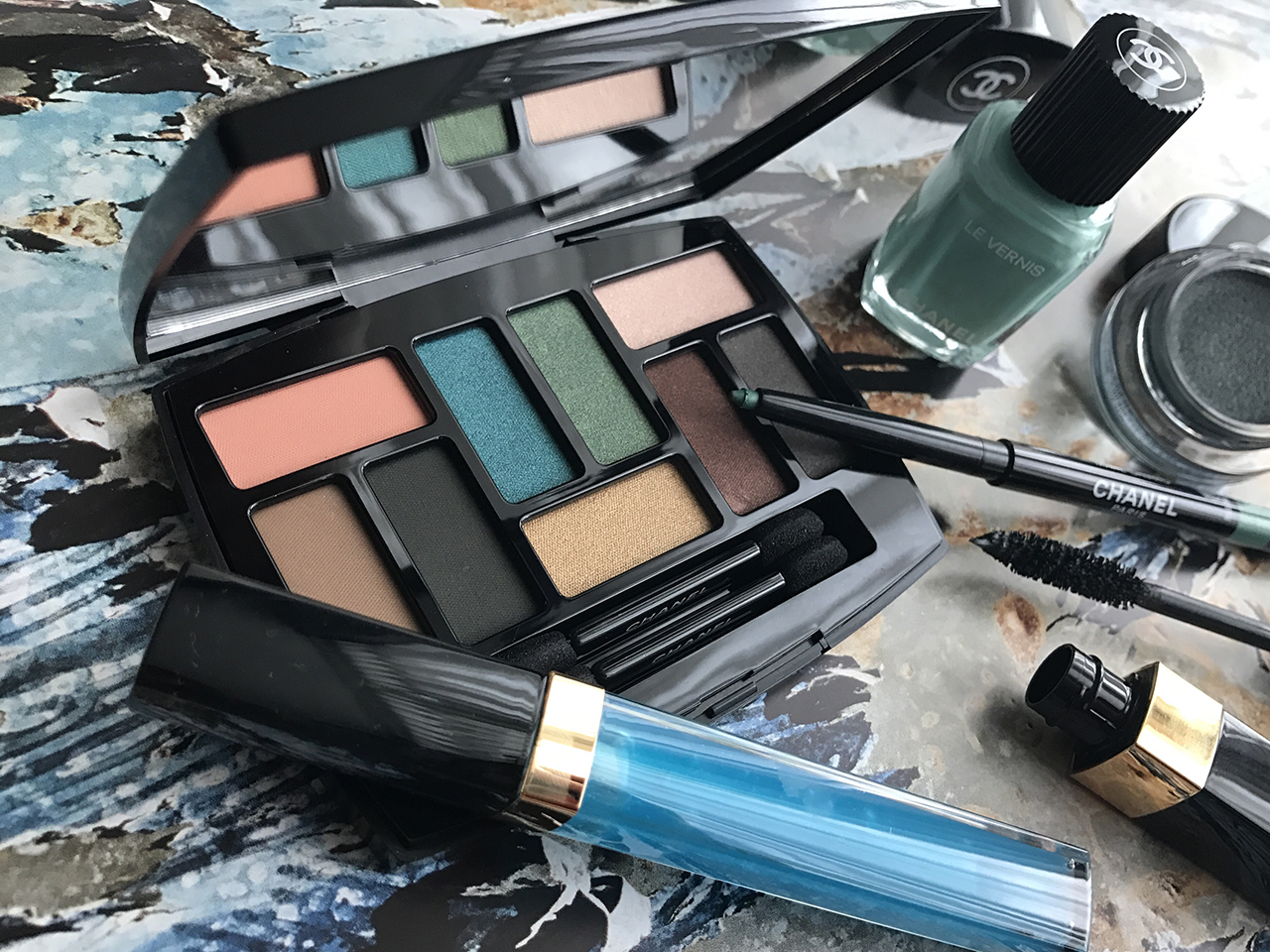 Chanel Les 9 Ombres Palette Edition 1 Affresco from Neapolis Collection