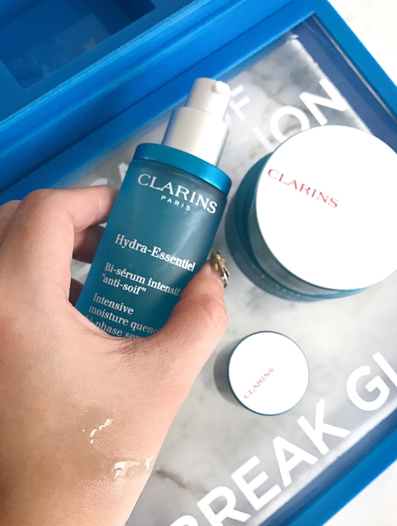 Clarins Hydra-Essentiel Biphase Serum swatch