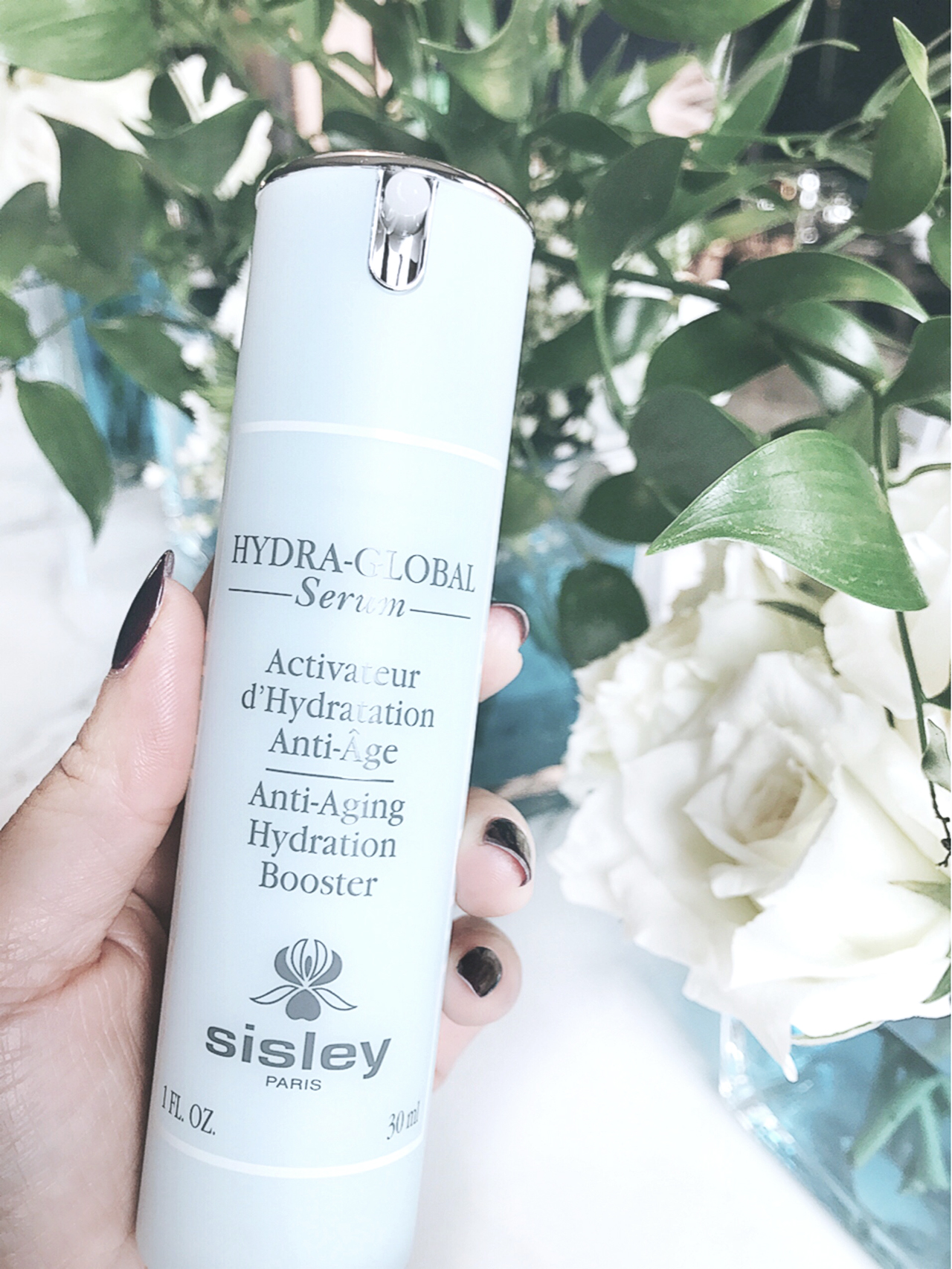 Sisley Hydra-Global Serum closeup