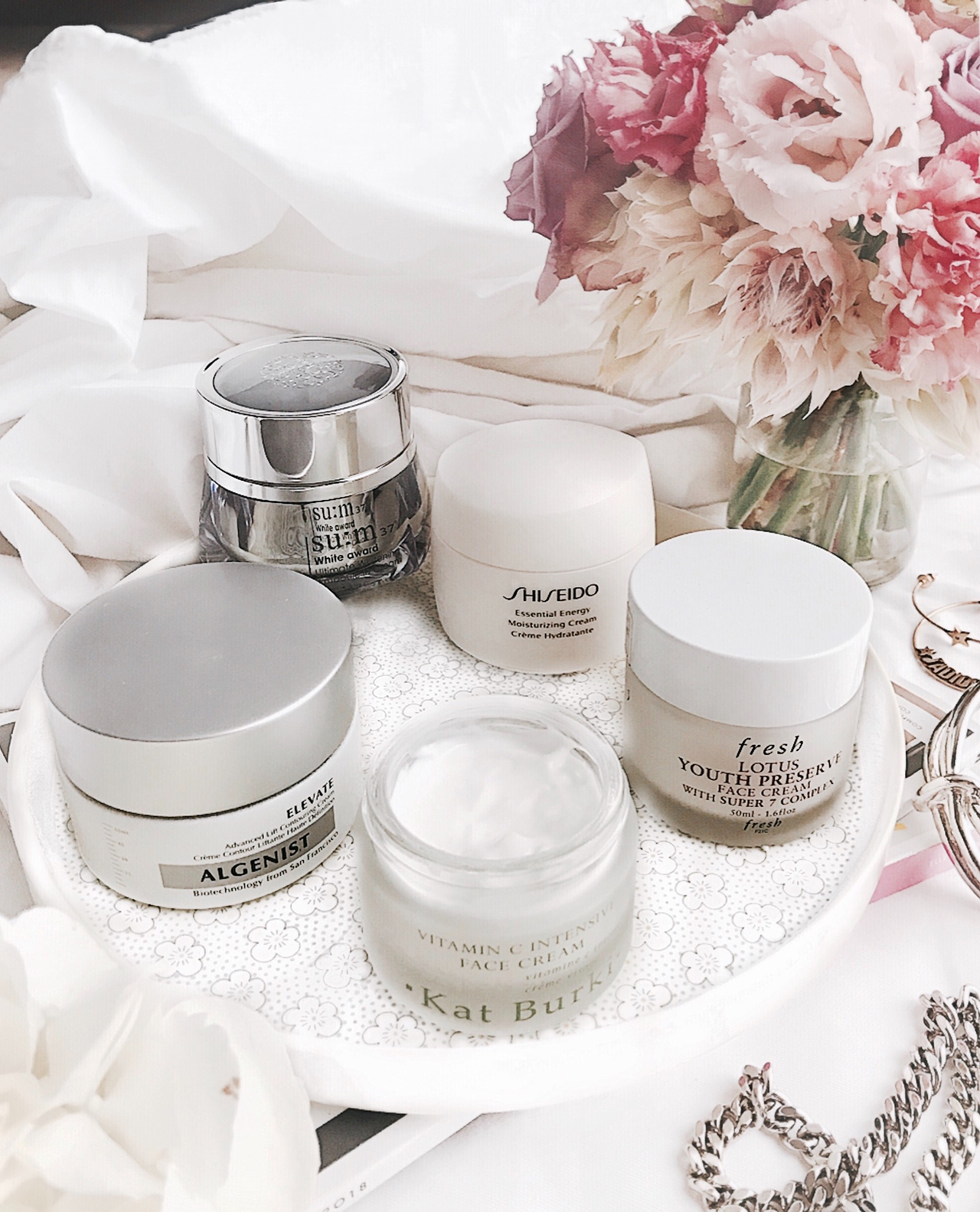 Antiaging night creams - Shiseido Essential Energy, Fresh Lotus Youth Preserve, Su:m37 White Award Ultimate Whitening Ampoule in Cream, Alienist Elevate Cream
