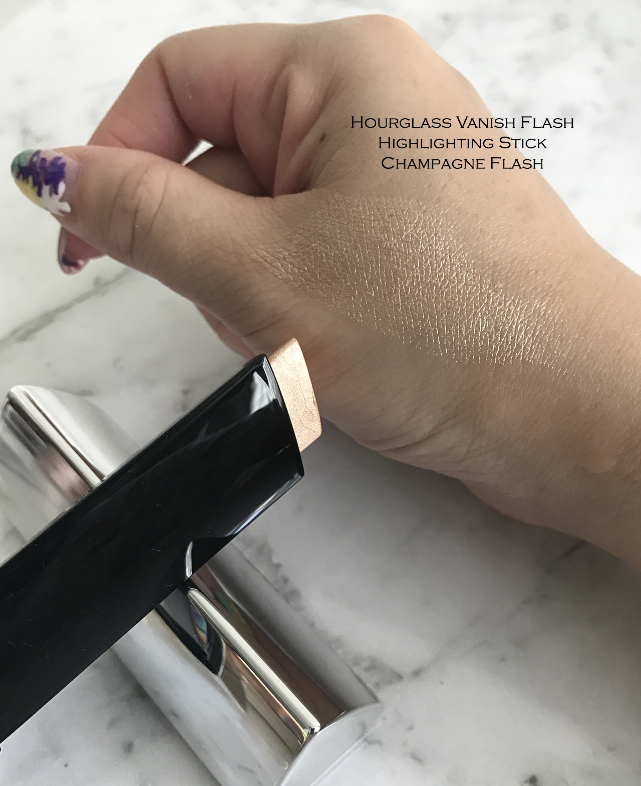 Hourglass Vanish Flash Highlighting Stick Champagne Flash swatch