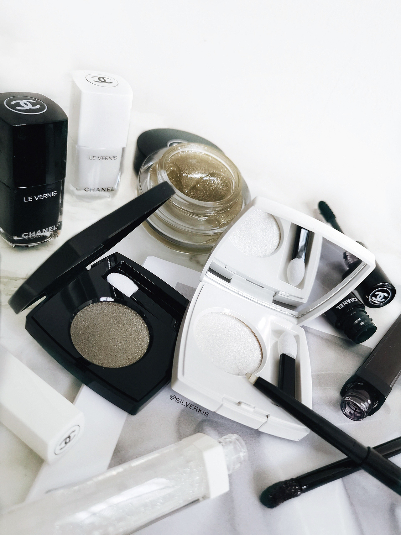 Chanel Noir et Blanc Collection for Fall 2019