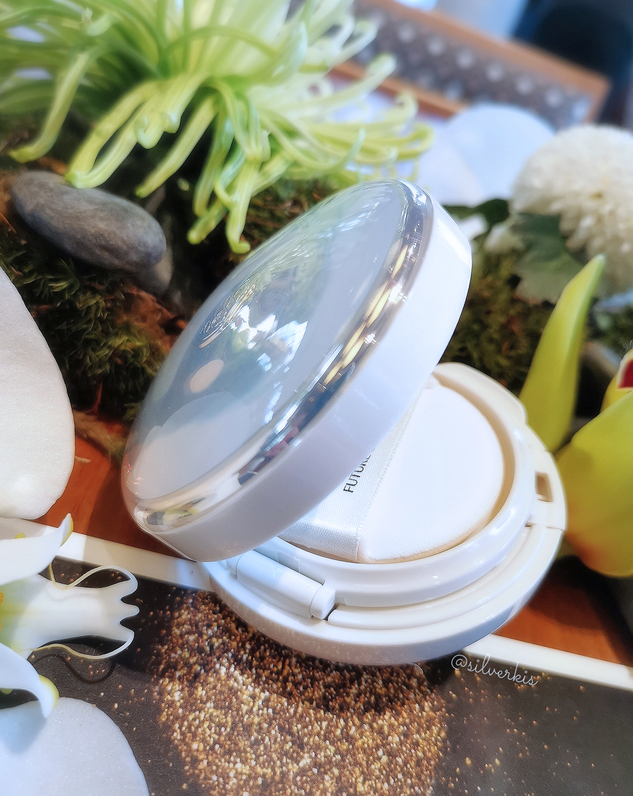 Shiseido Future Solution LX Total Radiance Regenerating Cushion E
