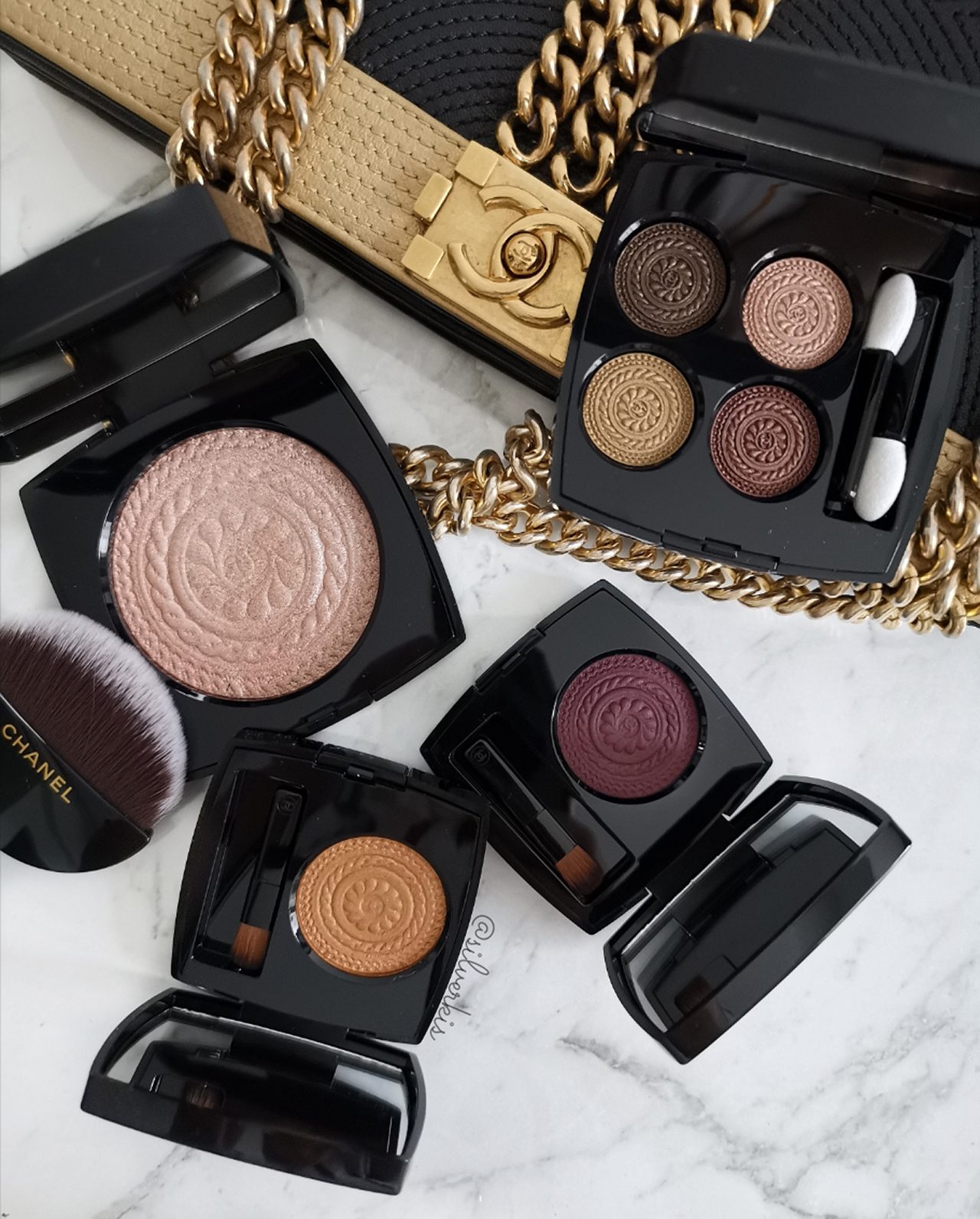 Les Ornements de Chanel Holiday 2019 eyeshadows