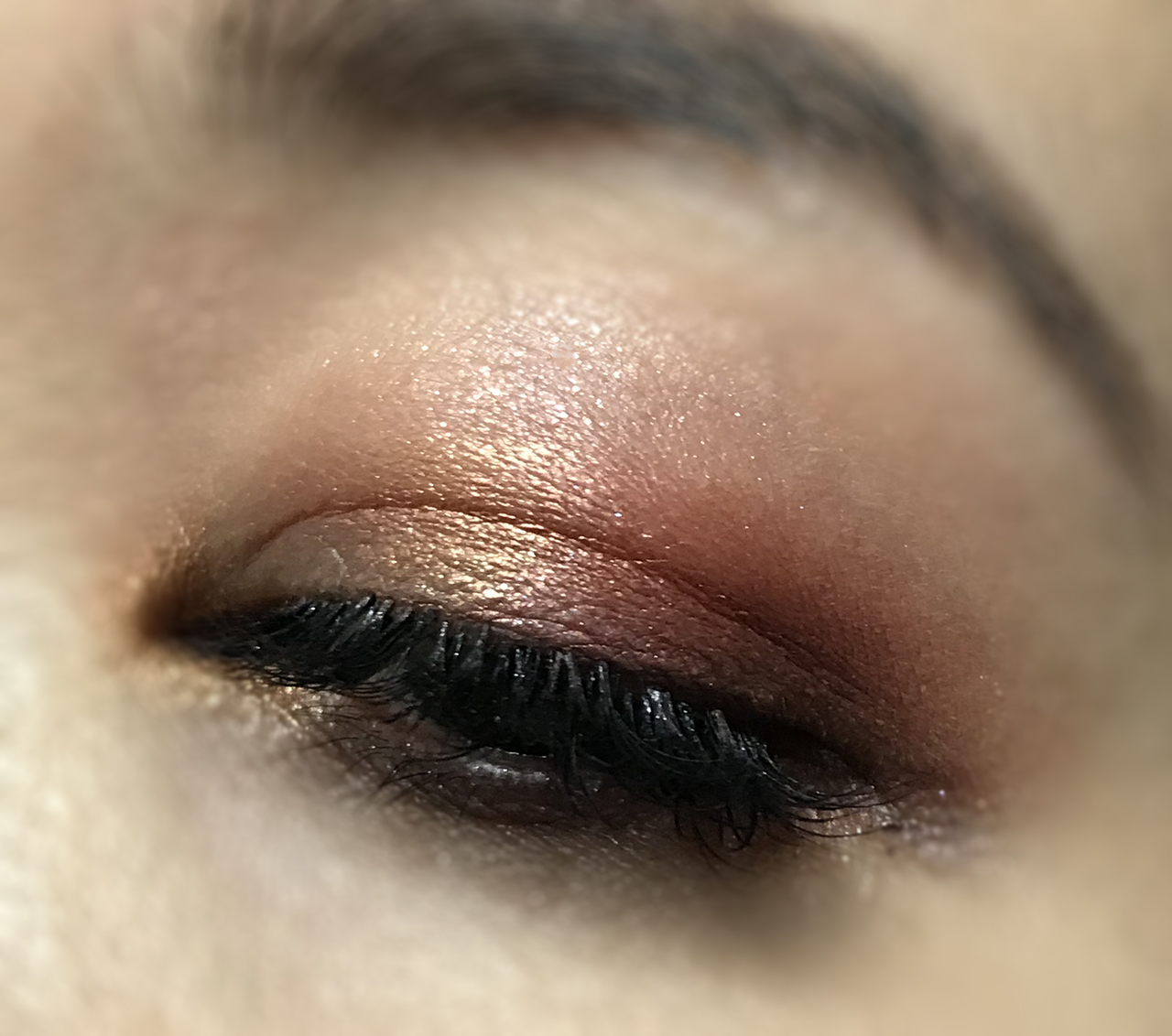 SUQQU Holiday Makeup Kit A eye makeup look