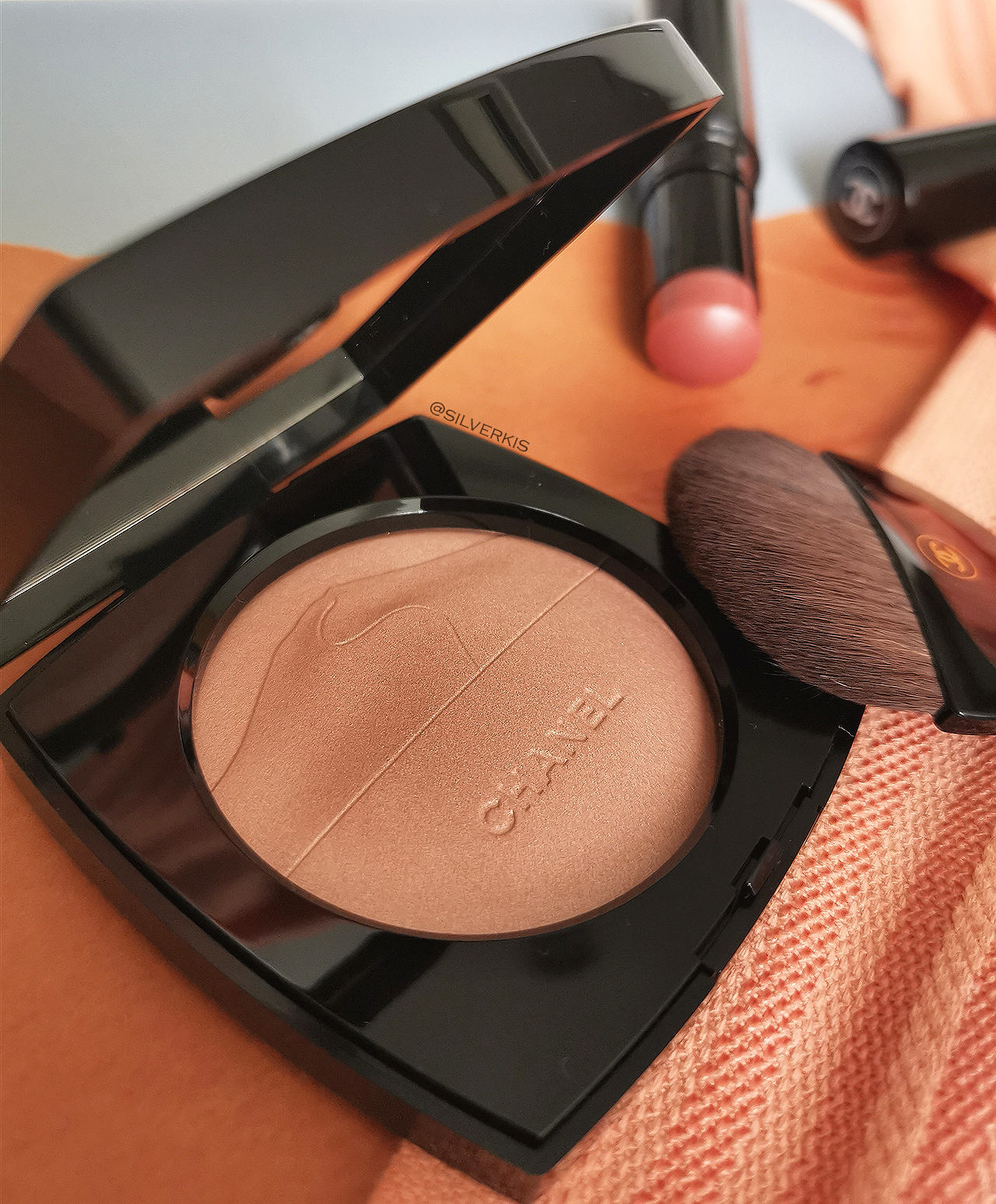 Chanel Eclat du Desert Illuminating Powder & Golden Light Baume Essentiel