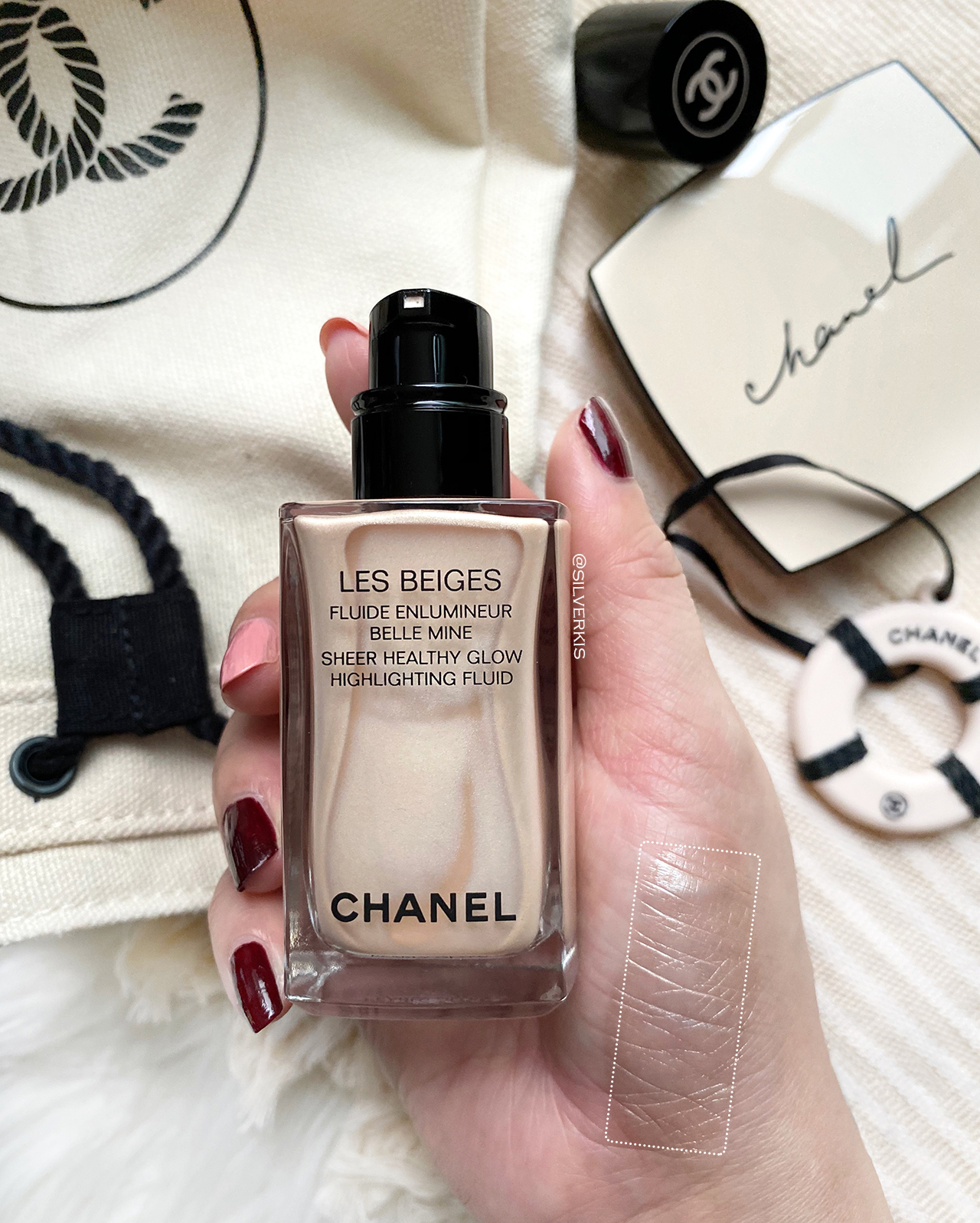 Chanel Les Beiges Sheer Pearly Glow Highlighting Fluid