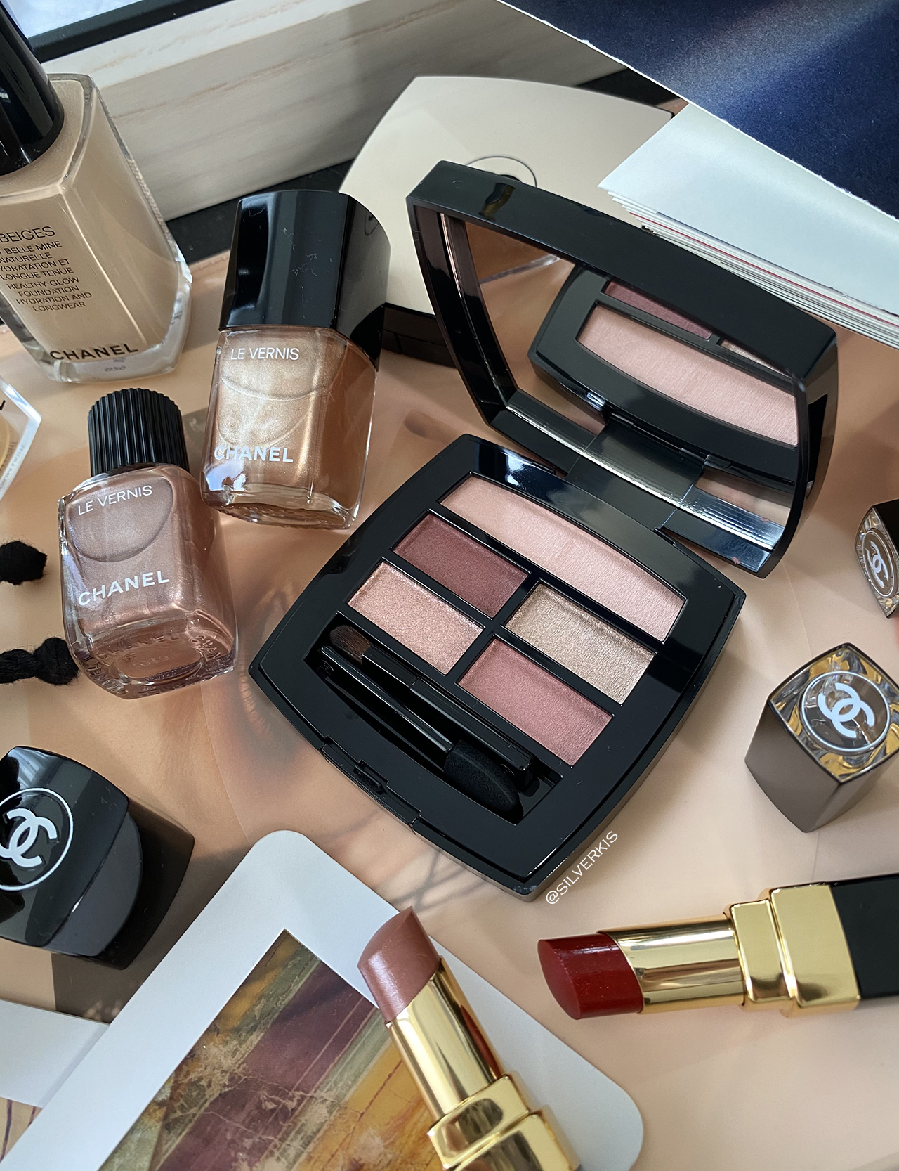 Chanel Les Beiges Healthy Glow Natural Eyeshadow Palette in Tender